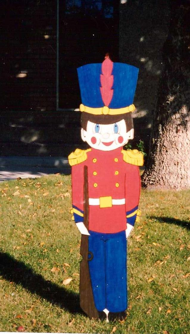 DT-176  Eight Foot Toy Soldier Pattern